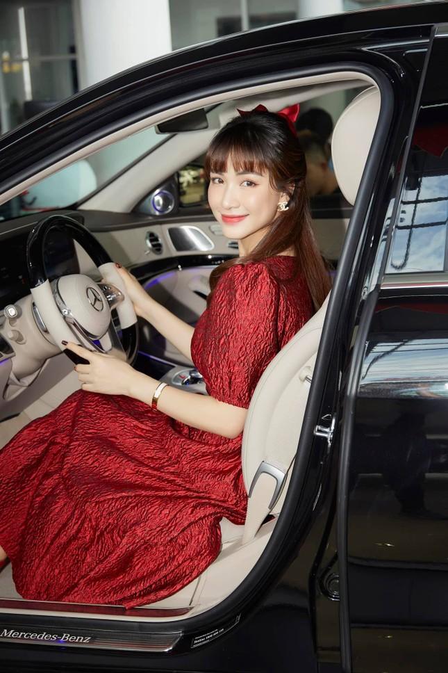 Dù có chồng giàu có, Hòa Minzy vẫn được hội chị em khen ngợi vì quan điểm này ảnh 6