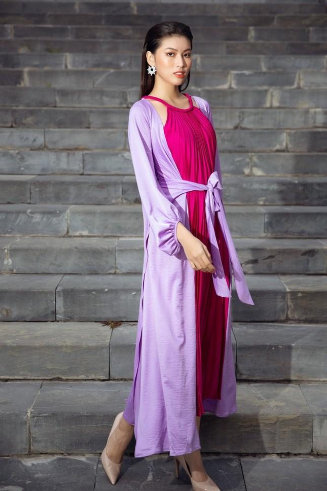 Dàn Hoa hậu, Á hậu xinh đẹp rạng ngời bất chấp trang phục mỏng manh giữa trời lạnh giá ảnh 4