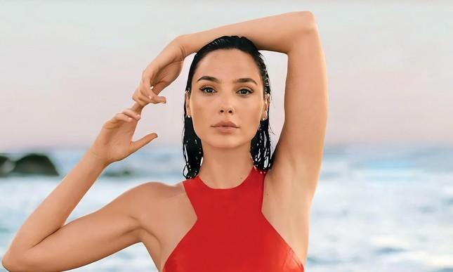 """Nữ diễn viên """"hot nhất"""" Hollywood 2020: Hoa hậu đánh đổi nhiều thứ để có cátsê gấp 33 lần ảnh 12"""