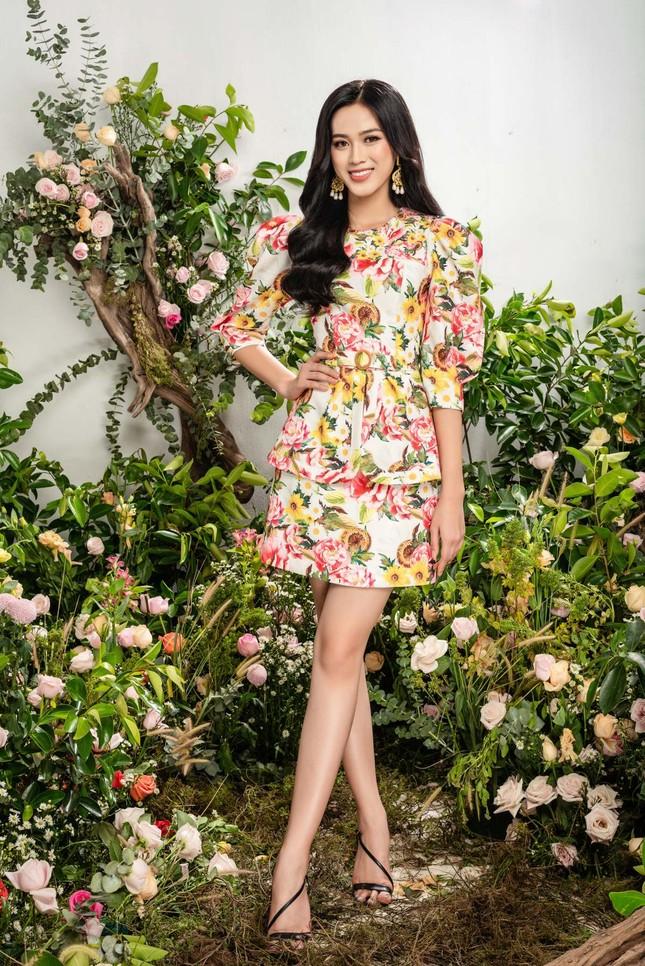 Nhờ vóc dáng chuẩn mà Hoa hậu Đỗ Thị Hà mặc phong cách nào cũng đẹp ảnh 5
