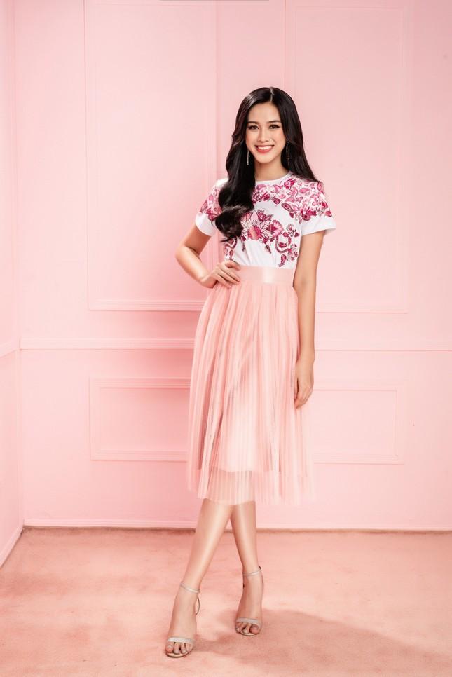 Nhờ vóc dáng chuẩn mà Hoa hậu Đỗ Thị Hà mặc phong cách nào cũng đẹp ảnh 6