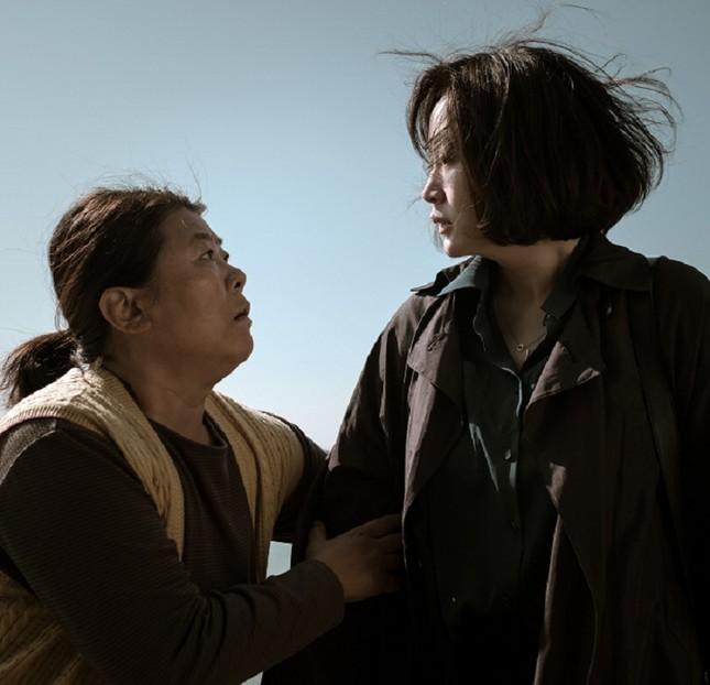 """Tham gia hành trình giải mã """"Di nguyện bí ẩn"""" cùng nữ hoàng màn ảnh Kim Hye Soo ảnh 4"""