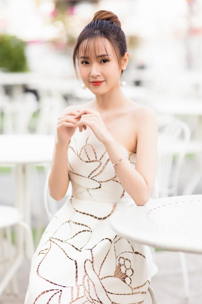 Bất ngờ với hành động của Midu trong ngày tình cũ Phan Thành cưới vợ ảnh 9