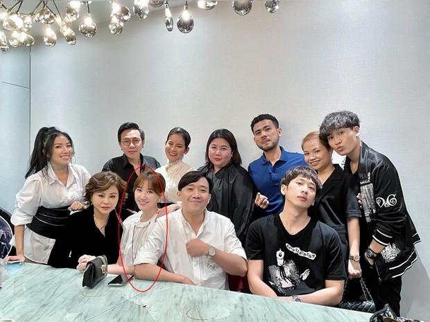 Chỉ từ một tấm ảnh, nhiều người đoán Trấn Thành và Hari Won đã có được điều họ bao năm chờ đợi ảnh 7