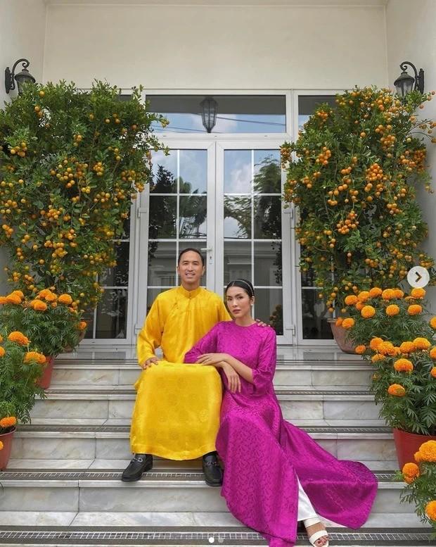 Hàng loạt cặp đôi sao Việt tới tấp khoe ảnh ngọt như mật trong ngày đầu Năm mới ảnh 5