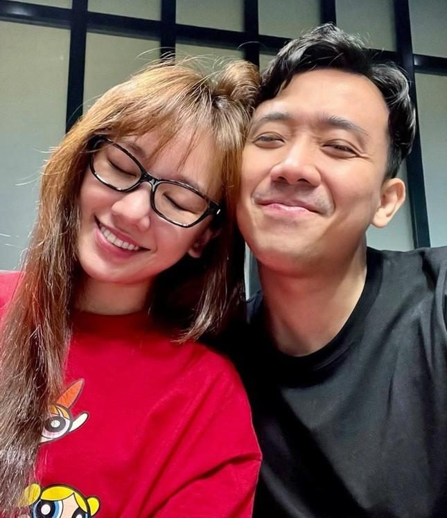 Hàng loạt cặp đôi sao Việt tới tấp khoe ảnh ngọt như mật trong ngày đầu Năm mới ảnh 7