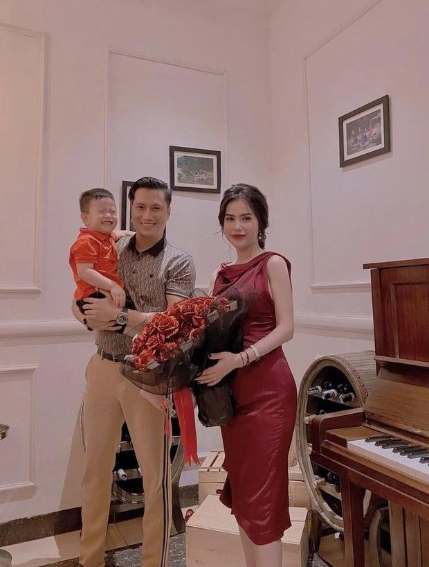 Việt Anh và vợ cũ có màn đối đáp tưởng vu vơ mà lại khiến nhiều người đỏ mặt ảnh 4