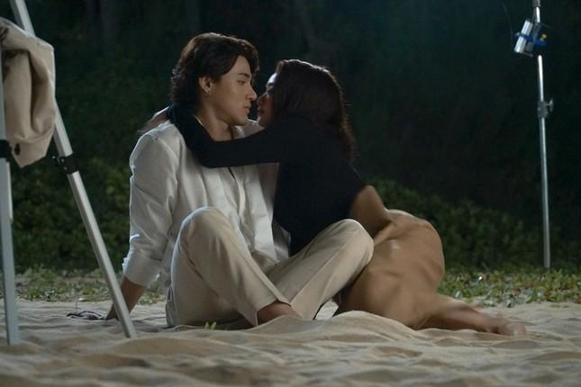 """Lần đầu đóng cảnh nóng trong """"Gái già lắm chiêu"""", Kaity Nguyễn táo bạo đến mức khiến khán giả đỏ mặt ảnh 5"""