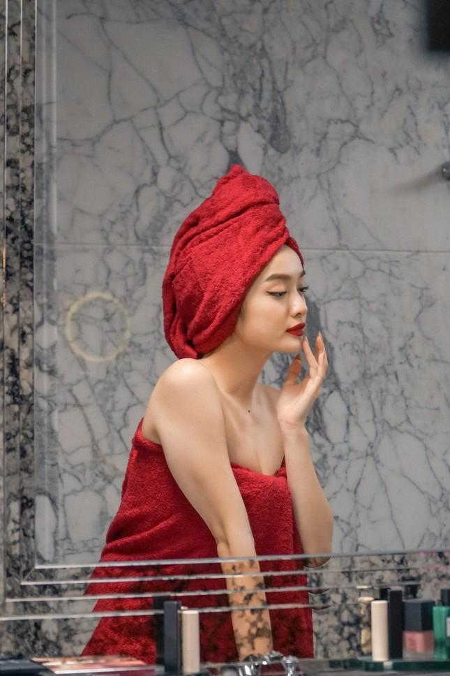 """Lần đầu đóng cảnh nóng trong """"Gái già lắm chiêu"""", Kaity Nguyễn táo bạo đến mức khiến khán giả đỏ mặt ảnh 1"""