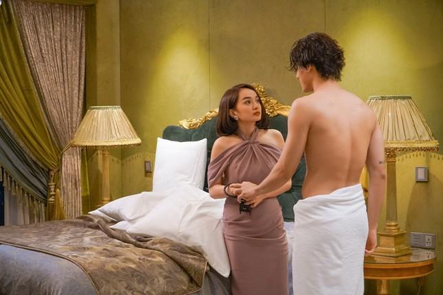 """Lần đầu đóng cảnh nóng trong """"Gái già lắm chiêu"""", Kaity Nguyễn táo bạo đến mức khiến khán giả đỏ mặt ảnh 6"""