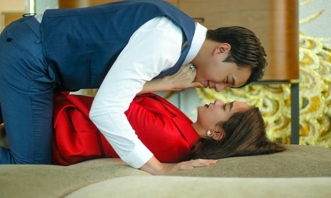 """Lần đầu đóng cảnh nóng trong """"Gái già lắm chiêu"""", Kaity Nguyễn táo bạo đến mức khiến khán giả đỏ mặt ảnh 2"""