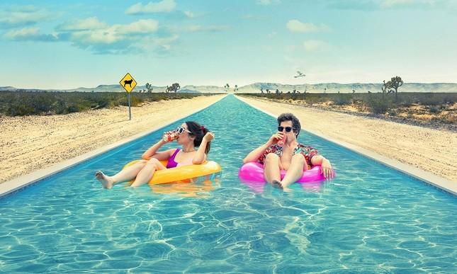 """Nếu năm 2021 là một bộ phim thì đó chính là """"Palm Springs: Mở mắt thấy hôm qua""""  ảnh 5"""