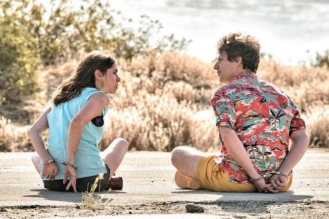 """Nếu năm 2021 là một bộ phim thì đó chính là """"Palm Springs: Mở mắt thấy hôm qua""""  ảnh 7"""