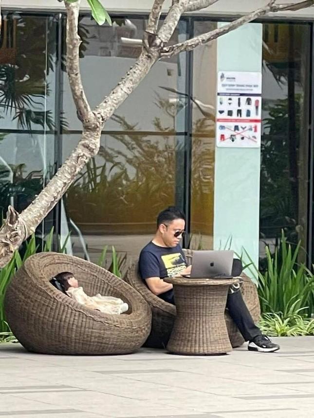 Liên tục bị đồn nuôi Kumanthong trong nhà để chơi ngải, đạo diễn Victor Vũ nói gì? ảnh 5