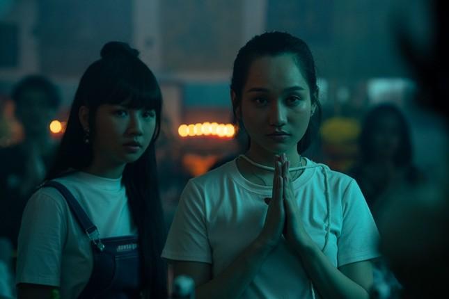 """""""Thiên thần hộ mệnh"""" dời lịch chiếu, đạo diễn Victor Vũ ám chỉ có liên quan đến tâm linh ảnh 3"""