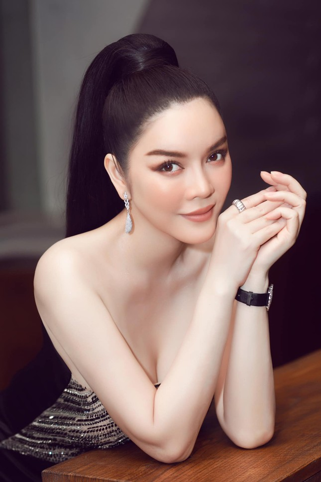 Được Hoa hậu Phương Lê khen hết lời nhưng vì sao Lý Nhã Kỳ lại bức xúc phản pháo? ảnh 4