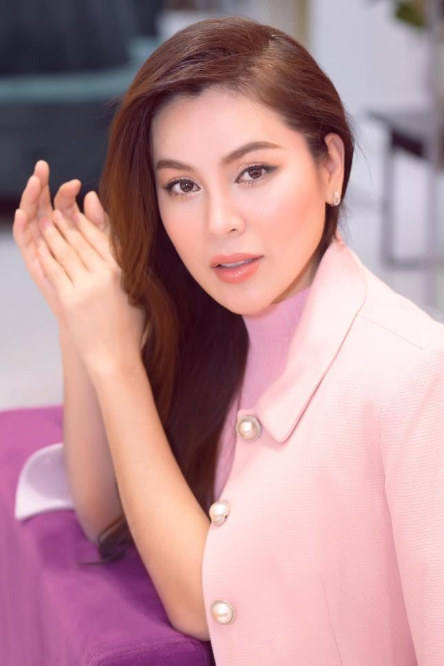 Được Hoa hậu Phương Lê khen hết lời nhưng vì sao Lý Nhã Kỳ lại bức xúc phản pháo? ảnh 5