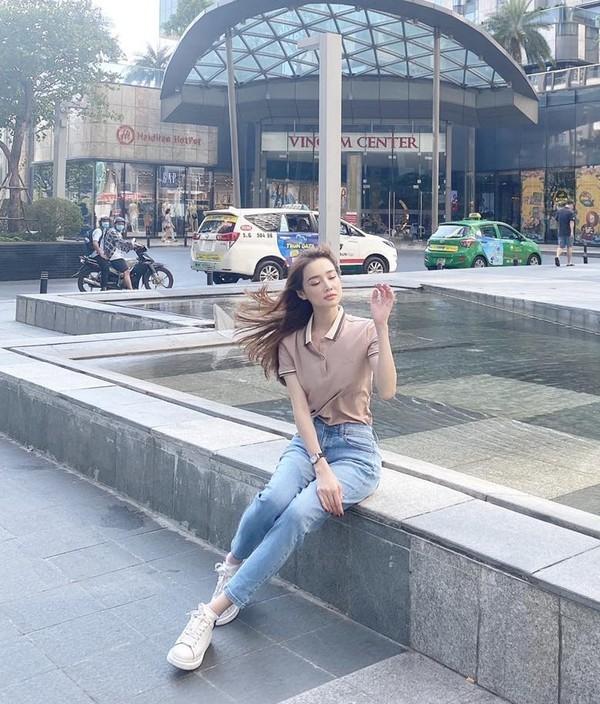 Nhã Phương khoe ảnh chụp lén không chỉnh sửa mà khiến netizen hoảng hốt vì một chi tiết ảnh 6
