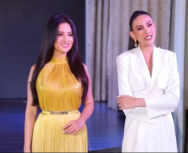 Vì sao siêu mẫu Vũ Thu Phương chê Hoa hậu Khánh Vân kém duyên ngay trên truyền hình? ảnh 4
