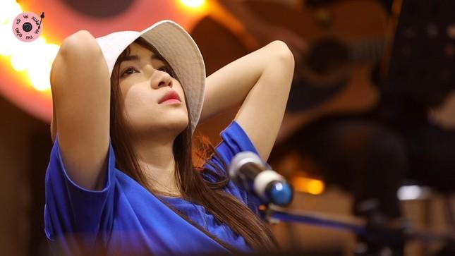 """Hòa Minzy chia sẻ mối quan hệ """"trên tình bạn, dưới tình yêu"""" với Anh Tú ảnh 6"""