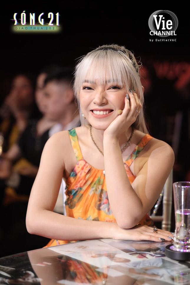 """Châu Bùi gia nhập """"tứ đại mỹ nhân"""", cùng Lan Ngọc quậy tung show Tết ảnh 6"""