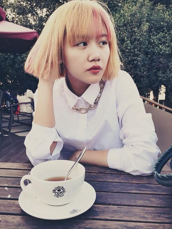 """""""Soi"""" phong cách thời trang của Văn Mai Hương ảnh 3"""
