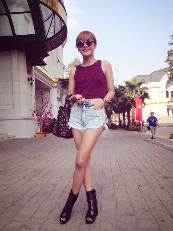 """""""Soi"""" phong cách thời trang của Văn Mai Hương ảnh 6"""