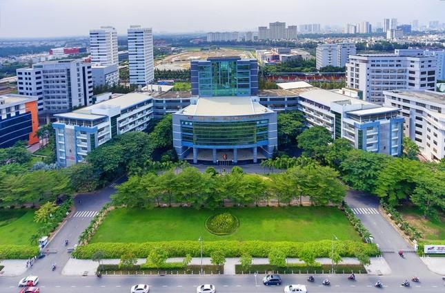 Sinh viên trường ĐH Tôn Đức Thắng sẽ được cấp bằng tốt nghiệp trong tháng 4 ảnh 1