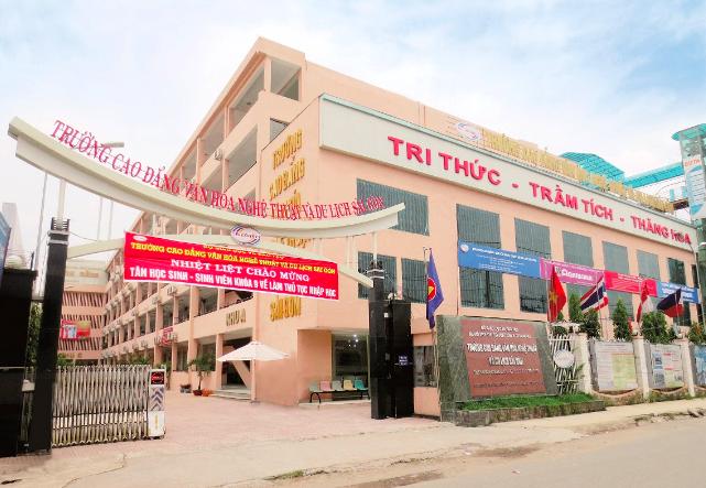 Trường CĐ Văn hóa Nghệ thuật và Du lịch Sài Gòn nói gì về việc bị kê biên tài sản? ảnh 1