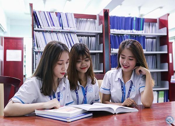 Bộ GD - ĐT: Giữ nguyên mức học phí năm học 2021 - 2022  ảnh 1