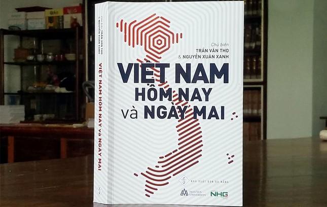 """Sách """"Việt Nam hôm nay và ngày mai"""": Giấc mơ hóa Rồng ảnh 1"""