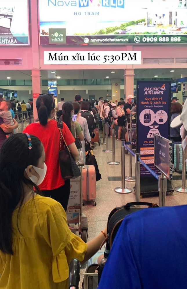 Sân bay Tân Sơn Nhất liên tục kẹt cứng trong nhiều ngày, lo ngại ùn tắc lớn dịp nghỉ lễ ảnh 4