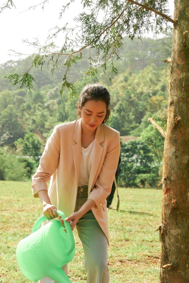 """Trúc Diễm, Nam Em, Phương Khánh hội ngộ tại sự kiện công bố """"Miss Earth Vietnam 2021"""" ảnh 7"""