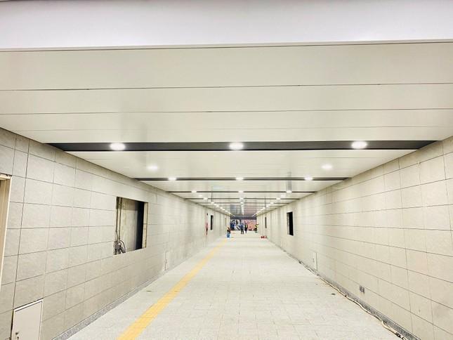 """Ngắm thiết kế cực nghệ của ga Bason (Tuyến Metro số 1): Đặt lịch """"sống ảo"""" ngay thôi! ảnh 6"""