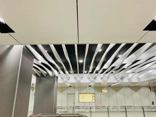 """Ngắm thiết kế cực nghệ của ga Bason (Tuyến Metro số 1): Đặt lịch """"sống ảo"""" ngay thôi! ảnh 5"""