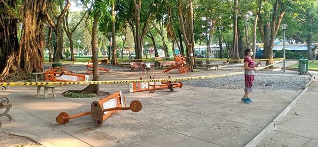 Công viên Sài Gòn đìu hiu giữa mùa dịch COVID-19 ảnh 7