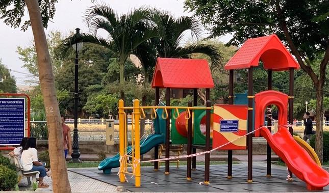 Công viên Sài Gòn đìu hiu giữa mùa dịch COVID-19 ảnh 5