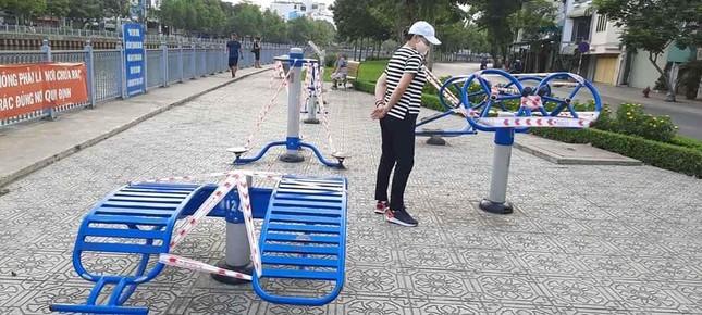 Công viên Sài Gòn đìu hiu giữa mùa dịch COVID-19 ảnh 2
