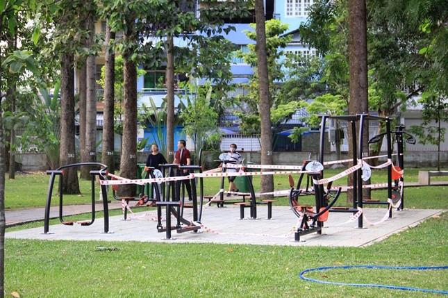Công viên Sài Gòn đìu hiu giữa mùa dịch COVID-19 ảnh 6