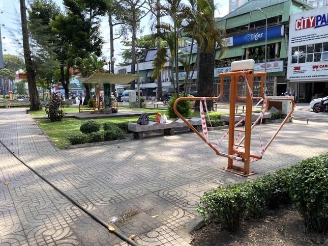 Công viên Sài Gòn đìu hiu giữa mùa dịch COVID-19 ảnh 13