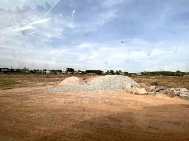Cận cảnh khu đất ở Bà Rịa-Vũng Tàu đang bị kiểm tra vì bán đất nền kiểu Alibaba ảnh 37