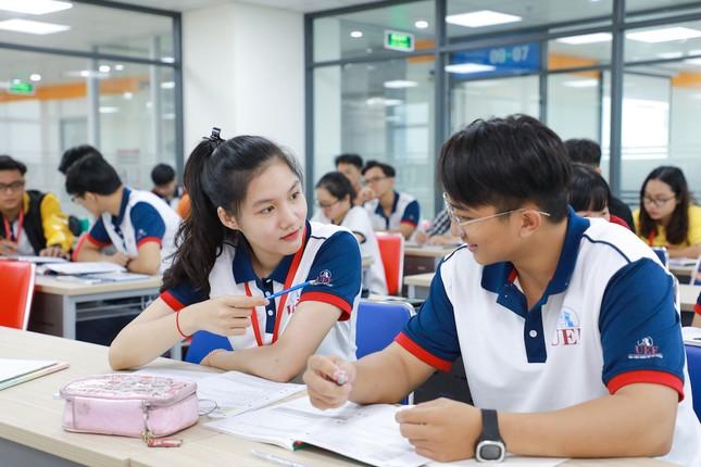 Trường ĐH Kinh tế Tài chính TP. HCM công bố đề án tuyển sinh 2020 ảnh 1
