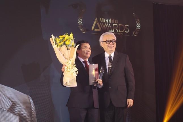 Nhà giáo duy nhất được vinh danh tại lễ trao giải Men&life Awards ảnh 1