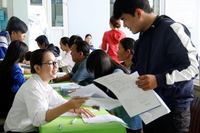 Nhiều trường đại học phía Nam công bố điểm trúng tuyển ảnh 1