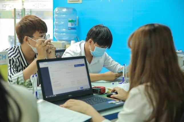 Trường ĐH Công nghệ TP. HCM công bố điểm nhận hồ sơ xét tuyển điểm thi tốt nghiệp  ảnh 1