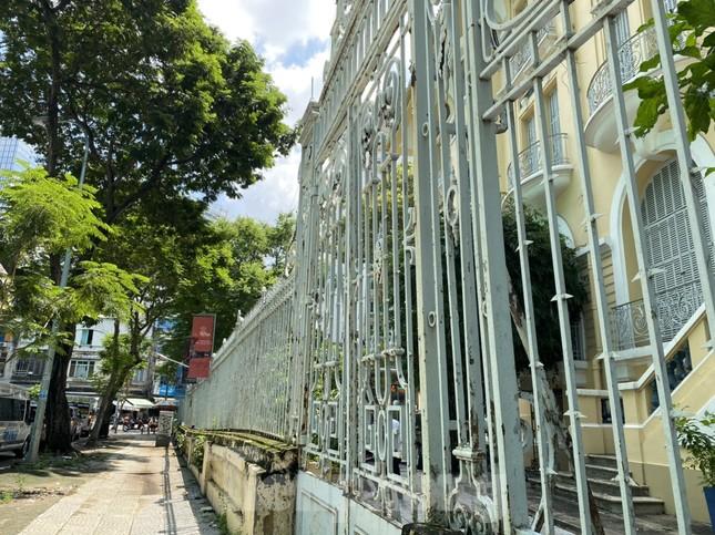 Bảo tàng Mỹ thuật TPHCM bị lún nứt do cao ốc khu tứ giác Bến Thành thi công ảnh 2