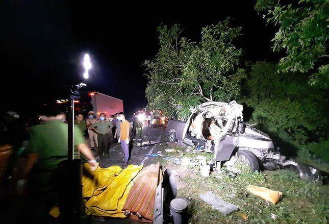 Khởi tố tài xế xe khách trong vụ tai nạn thảm khốc làm 8 người chết ở Bình Thuận ảnh 1
