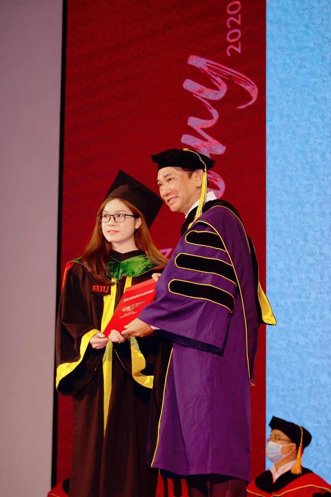 Hơn 97% sinh viên có việc làm trước khi nhận bằng tốt nghiệp ảnh 1