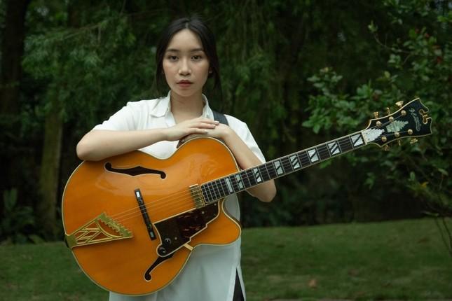 Con gái thứ hai của diva Mỹ Linh nối nghiệp mẹ, ra mắt ca khúc tự sáng tác ảnh 1