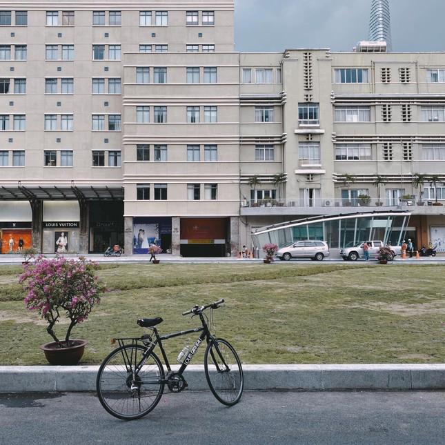 """Ngắm kiến trúc """"sang chảnh"""", lung linh của Ga Nhà hát Thành phố thuộc tuyến Metro số 1 ảnh 2"""